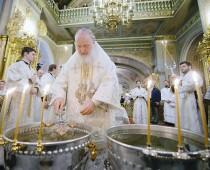Патриарх Кирилл освятит воду в канун Крещения