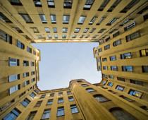 Вторичный рынок жилья в Москве рухнул на 30%