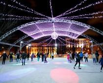 «Ночь на катке» в московских парках посетили 15 тысяч человек