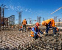 На стройках Москвы не хватает 25 тысяч рабочих