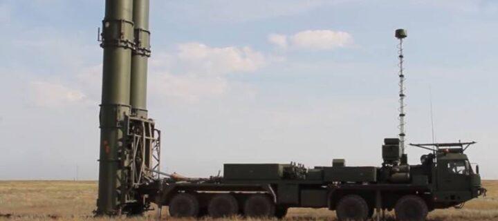Военные провели боевые стрельбы новейшей ЗРС С-500 по скоростной баллистической цели