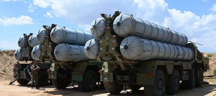 Расчеты систем ПВО С-300 отработали перехват целей в горах Таджикистана