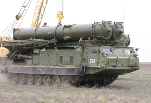 Расчеты ЗРС С-300В отразили условную воздушную атаку в Московской области