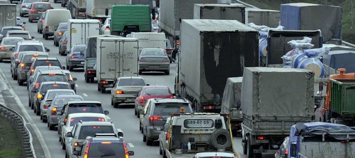 Грузовики от 3,5 тонн с 1 июля смогут въехать в Москву только по пропускам