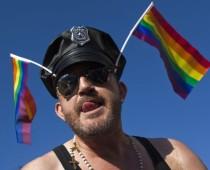 81% россиян с неприязнью относятся к гомосексуальным связям