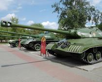 Выставка военной техники откроется в московском Парке Горького к 9 мая