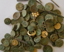 В ходе благоустройства центра Москвы обнаружен клад XVIII века