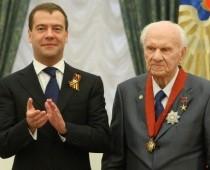 Памятник академику Анатолию Савину открыли  на его родине в Осташкове