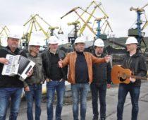 Норвежская рок-группа «D.D.E.» выступила в Мурманском морском торговом порту