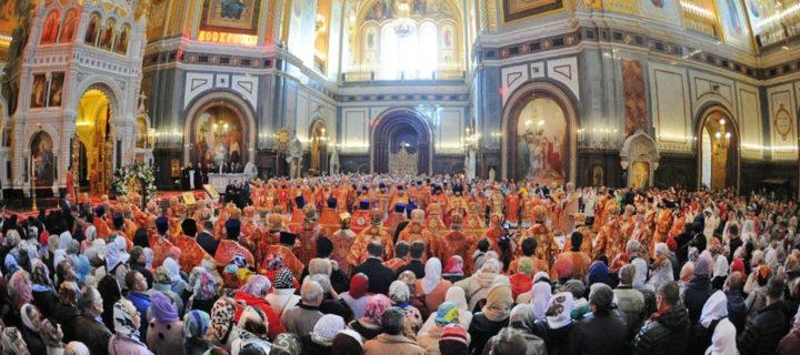 Мощам Николая Чудотворца поклонились около миллиона человек