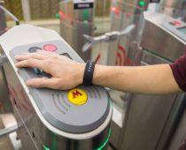 Браслеты «Тройка» появились в продаже в московском метро