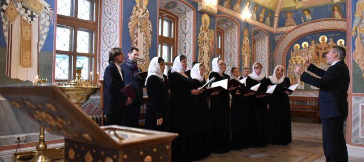 Пасхальный хоровой фестиваль пройдет в Москве 21-22 апреля