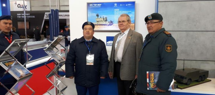 Министр обороны Казахстана посетил презентацию концерна «Алмаз-Антей»