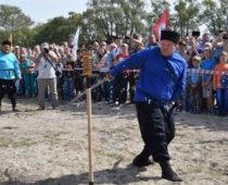 Казаки на фестивале под Брянском посоревнуются в рубке шашкой и конкуре