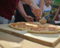 Новый рекорд России установили на сырном фестивале в Истре