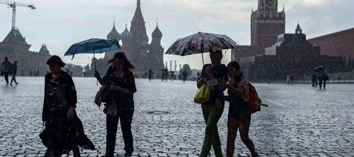 Ливни, град и сильный ветер придут в Москву