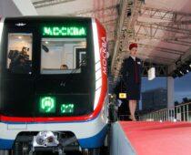 В столичной подземке запустили еще пять поездов «Москва»