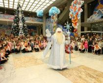 Кремлевскую ёлку посетят до 200 тысяч детей