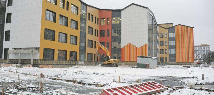 Самую большую в России школу сдадут в эксплуатацию в Москве летом