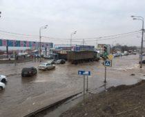 Около 300 тыс. человек остались без воды в Воронеже из-за коммунальной аварии