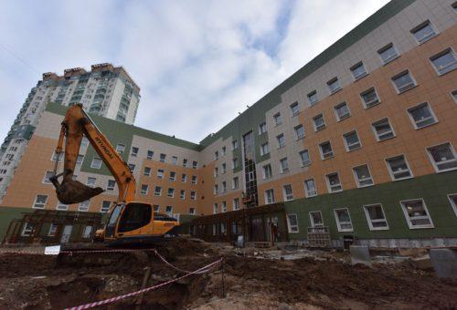 Более 130 социальных объектов построили в Подмосковье за год