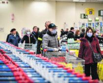 В магазины Подмосковья будут пускать только покупателей в масках