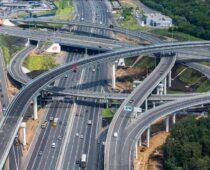Более тысячи километров дорог построено в Москве за 10 лет
