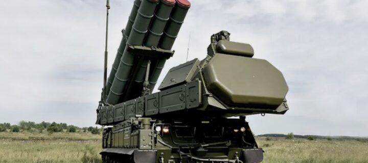 Расчеты ЗРК «Бук-М3» выполнили первые боевые стрельбы на полигоне в Астраханской области