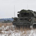 В Подмосковье расчеты ЗРК «Тор-М2» уничтожили ударные БПЛА в преддверии дня войсковой ПВО