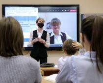 Московские школьники вернутся к очному формату обучения с 18 января