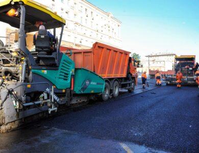 На московских дорогах началась замена асфальта