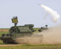 Зенитчики ЮВО выполнили пуски боевых ракет из ЗРК «Тор-М2» в Астраханской области